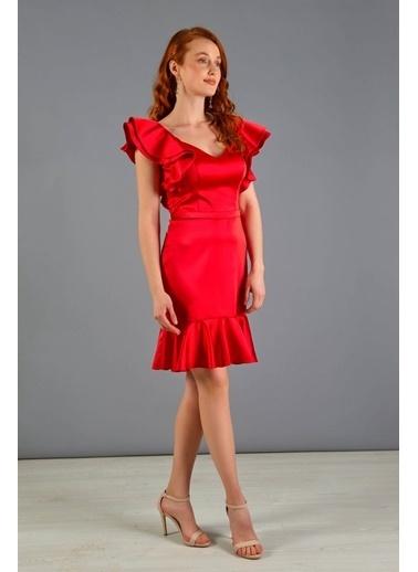 Carmen Omuzu Volanlı Eteği Büzgülü Kısa Abiye Elbise Kırmızı